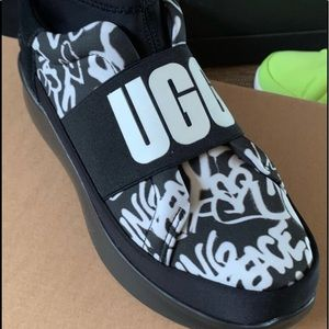 Women's New UGG Graffiti Shoes Size 6